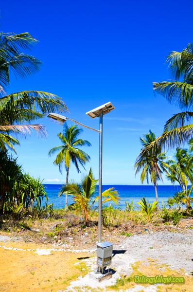 solar-poweredlightpost-1