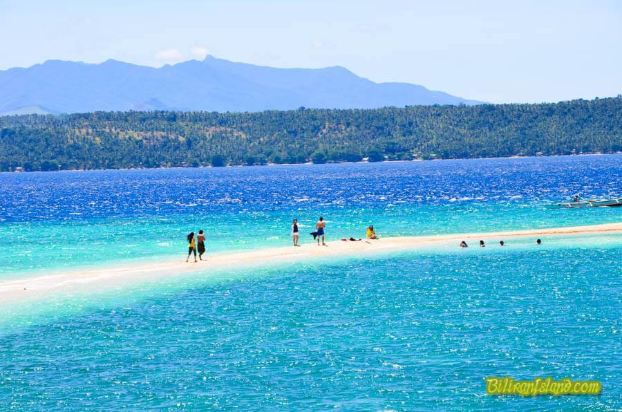 Breathtaking sandbar of Higatangan Island in Biliran. Photo by Jalmz